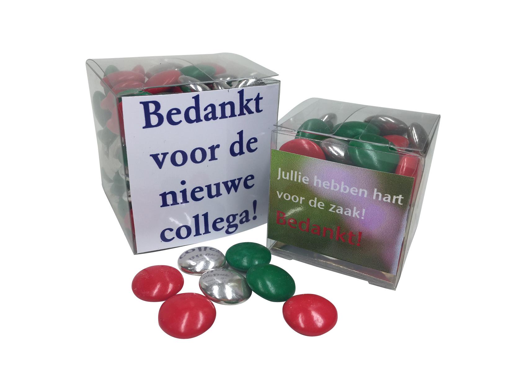Vierkant doosje met Kerst chocoladelentilles mini doosje 50 gram