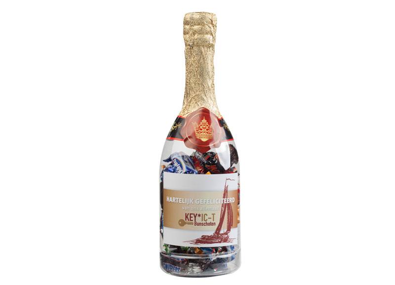 Champagnefles met Celebrations