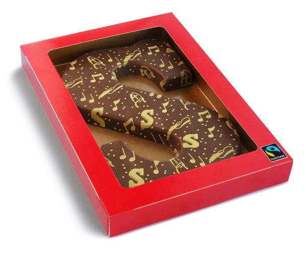 Chocoladeletter met logo Fair trade met logo