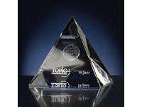 Laser in glas. Pyramide