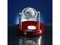 Klok met wereldbol van glas - bruin hou