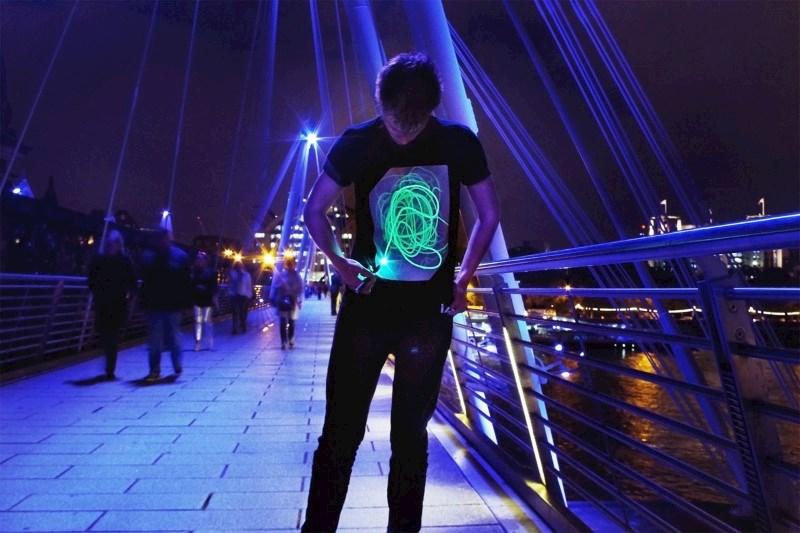 IA Interactief Glow T-shirt Super Groen - Zwart (L)