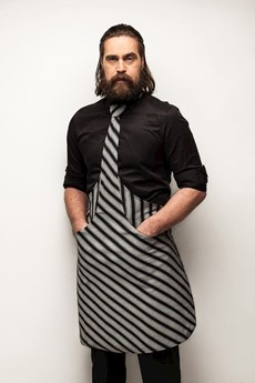 https://productimages.azureedge.net/s3/webshop-product-images/imageswebshop/channel_distribution/a365-content_images_thumbs_002_0027942_tie-apron_tie-apron-chef-black-grey-striped_4744575010014.jpeg