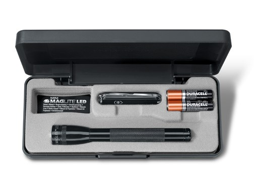 Maglite Set Mini AAA LED + Victorinox Classic SD