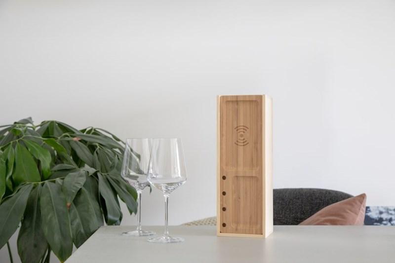 Rackpack Juicebox: een wijnkist én een wireless telefoon oplader in één