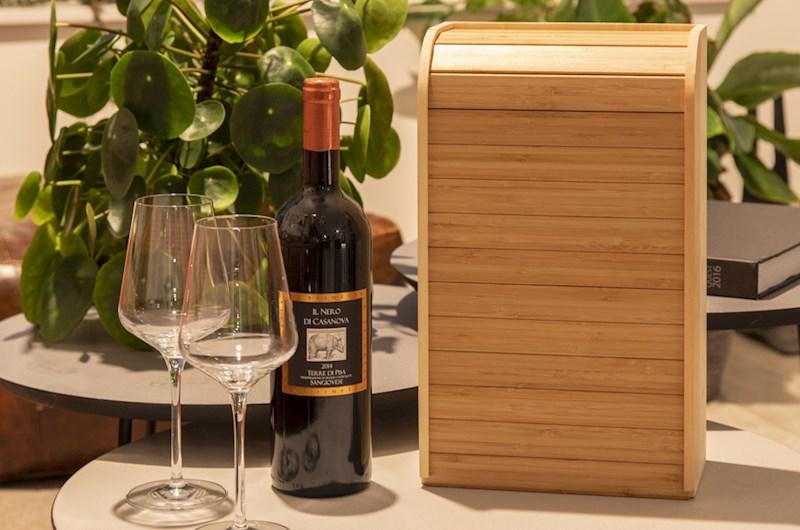 Rackpack rock 'n roller- een wijnkist én een broodtrommel cq dienblad in één