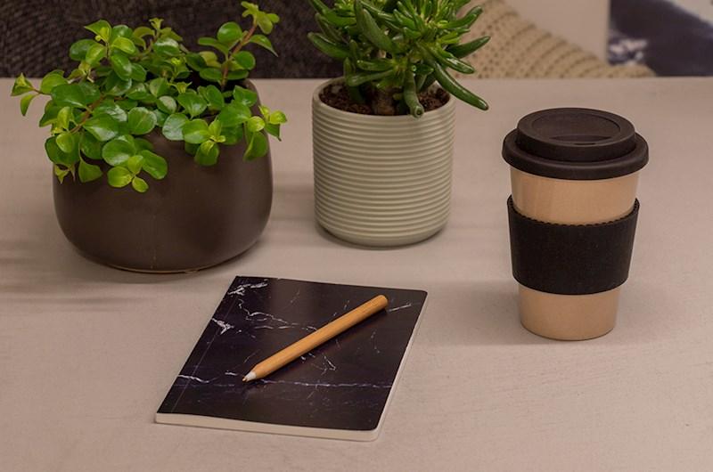Koffie/thee beker gemaakt van rijstafval (met deksel en koffiehouder van siliconen)