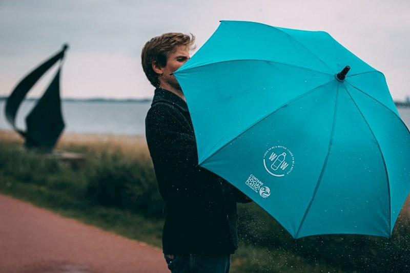 Paraplu gemaakt van gerecyclede PET flessen