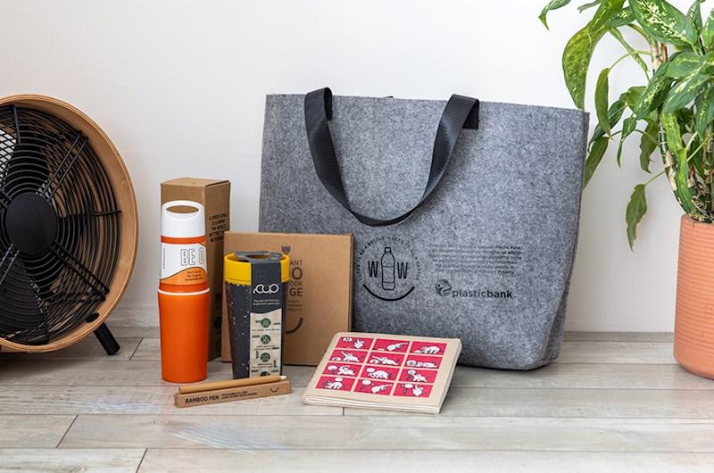 De tas is helemaal gevuld met mooie duurzame items