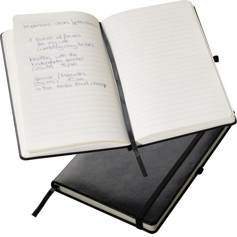 Gelinieerd notitieboekje met een elastische band