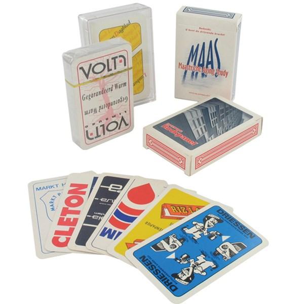 Speelkaarten in karton doosje