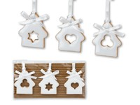 WHITE HOUSES ,Set van drie kerstdecoraties om op te hangen, op karton geleverd en verpakt in cellofaan.