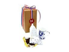 https://productimages.azureedge.net/s3/webshop-product-images/imageswebshop/thoolen_bloembollengeschenken/a315-_k_o_koffiebeker_chocolade.jpg