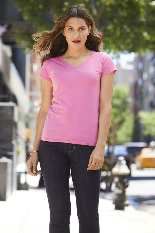 Softstyle? Fitted Ladies' V-neck T-shirt
